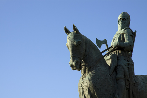 Statue of King Robert the Bruce riding his horse