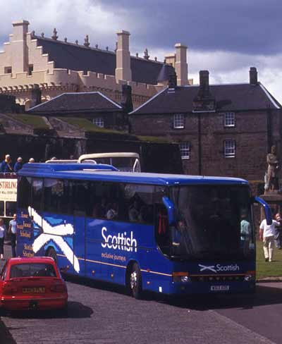 Scottish Tours coach leaving Stirling Castle