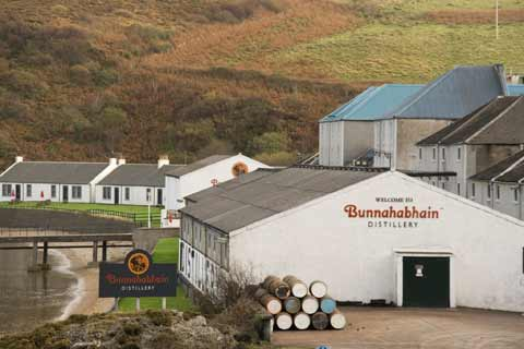Distillery buildings at Bunnahabhain
