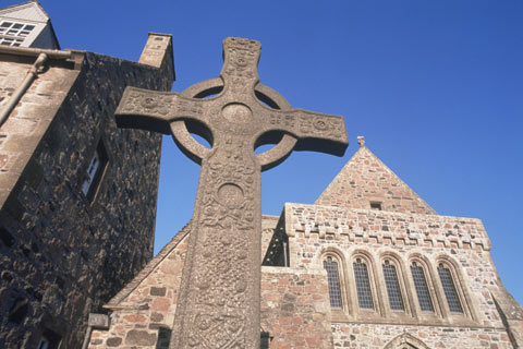Impressive Celtic Cross in front of Iona Abbey